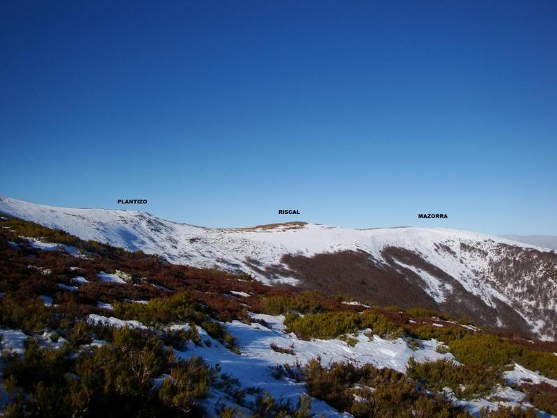 Haciendo el payaso subiendo al Pico Mencilla 1.932m. MENCILLA121