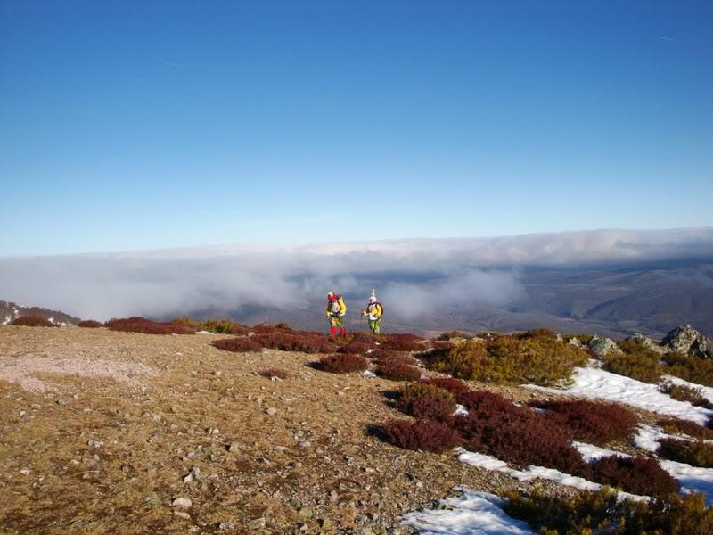 Haciendo el payaso subiendo al Pico Mencilla 1.932m. MENCILLA123
