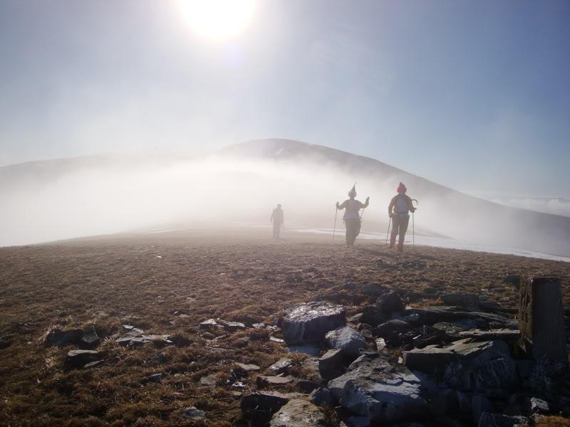 Haciendo el payaso subiendo al Pico Mencilla 1.932m. MENCILLA132