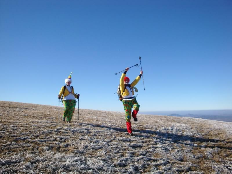 Haciendo el payaso subiendo al Pico Mencilla 1.932m. MENCILLA139