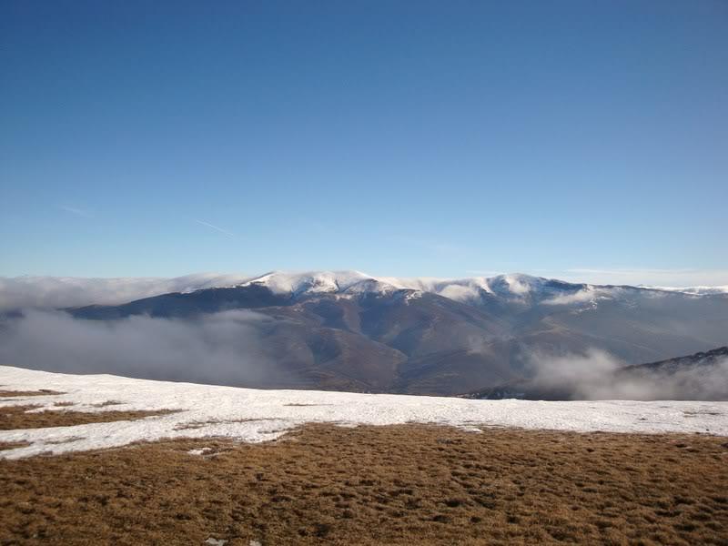 Haciendo el payaso subiendo al Pico Mencilla 1.932m. MENCILLA140