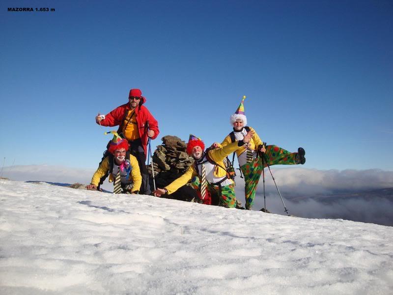 Haciendo el payaso subiendo al Pico Mencilla 1.932m. MENCILLA145
