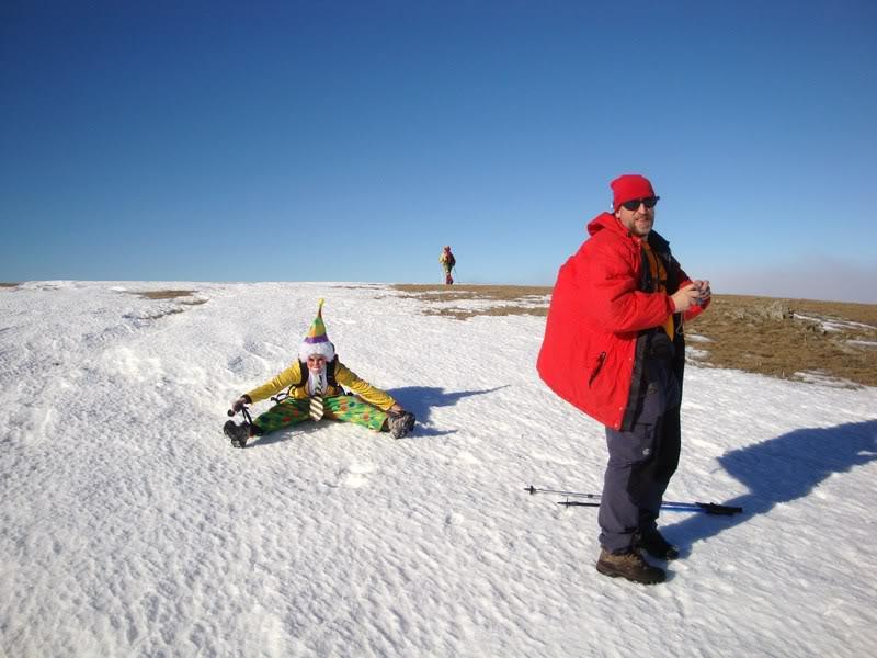 Haciendo el payaso subiendo al Pico Mencilla 1.932m. MENCILLA149