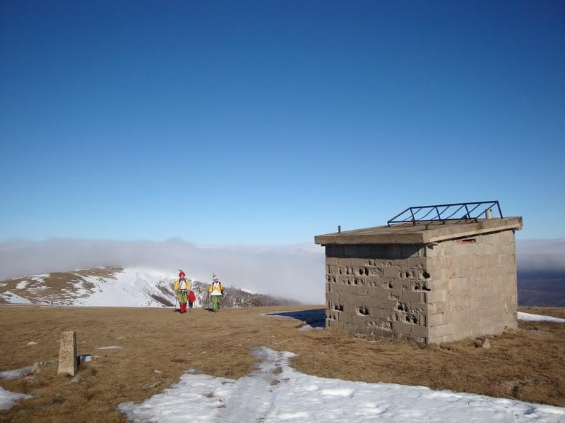 Haciendo el payaso subiendo al Pico Mencilla 1.932m. MENCILLA156