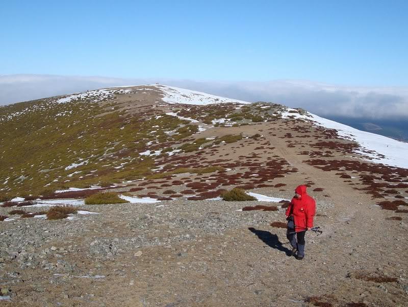 Haciendo el payaso subiendo al Pico Mencilla 1.932m. MENCILLA164