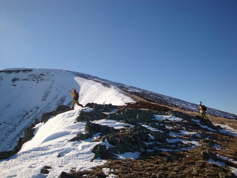 Haciendo el payaso subiendo al Pico Mencilla 1.932m. MENCILLA165
