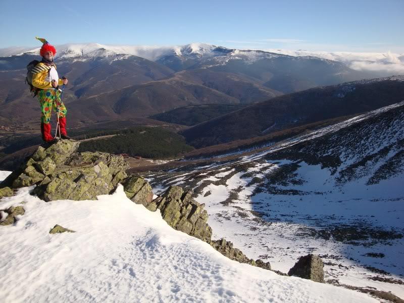 Haciendo el payaso subiendo al Pico Mencilla 1.932m. MENCILLA168