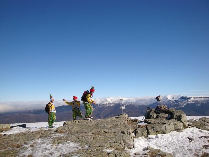 Haciendo el payaso subiendo al Pico Mencilla 1.932m. MENCILLA183