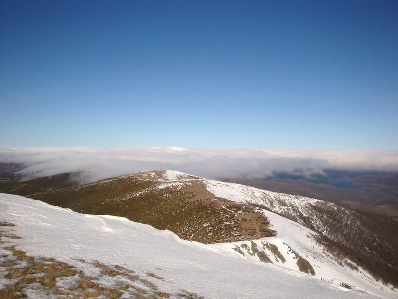 Haciendo el payaso subiendo al Pico Mencilla 1.932m. MENCILLA194