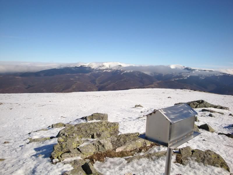 Haciendo el payaso subiendo al Pico Mencilla 1.932m. MENCILLA195