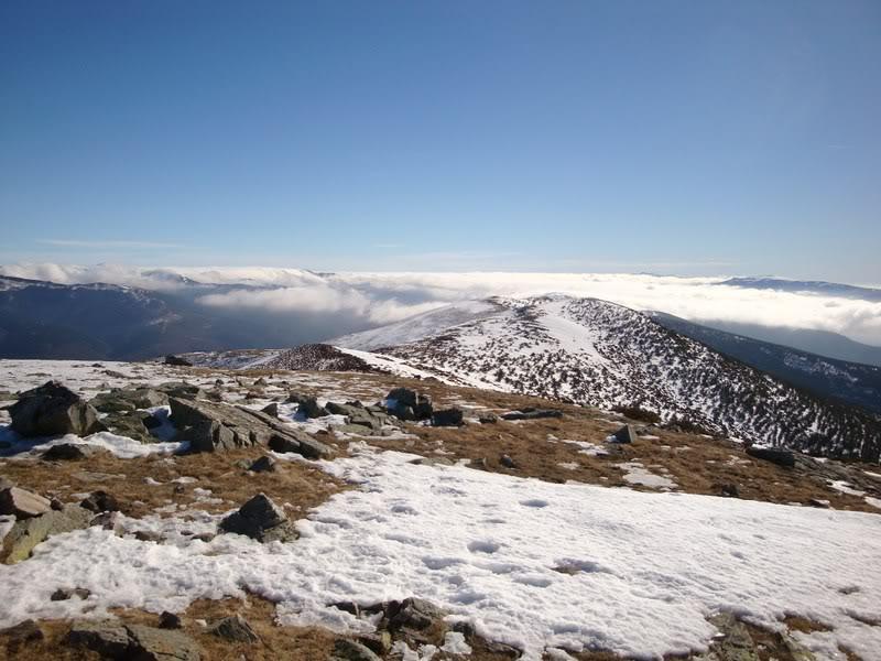Haciendo el payaso subiendo al Pico Mencilla 1.932m. MENCILLA196