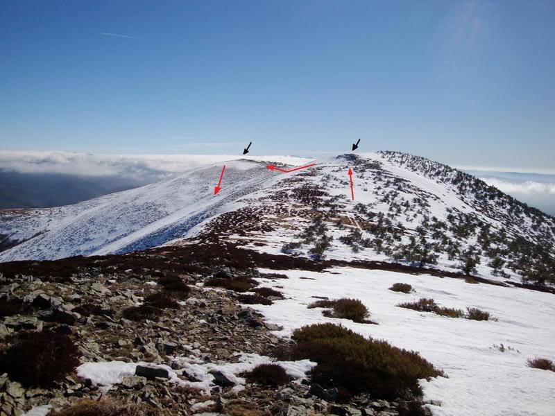 Haciendo el payaso subiendo al Pico Mencilla 1.932m. MENCILLA209