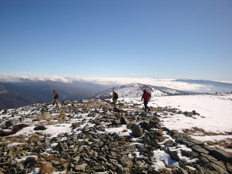 Haciendo el payaso subiendo al Pico Mencilla 1.932m. MENCILLA223