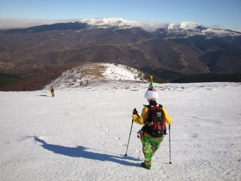 Haciendo el payaso subiendo al Pico Mencilla 1.932m. MENCILLA224