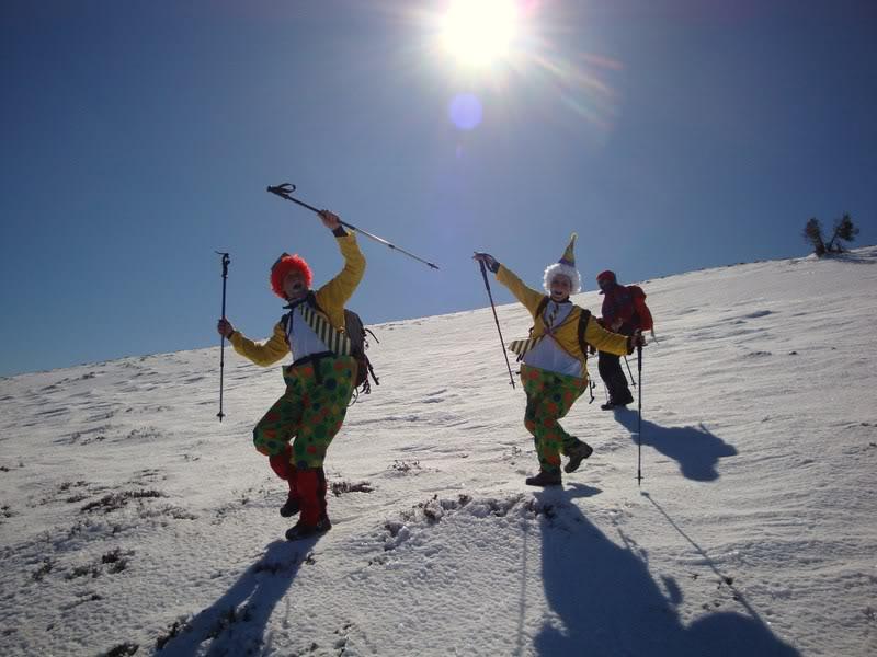 Haciendo el payaso subiendo al Pico Mencilla 1.932m. MENCILLA230
