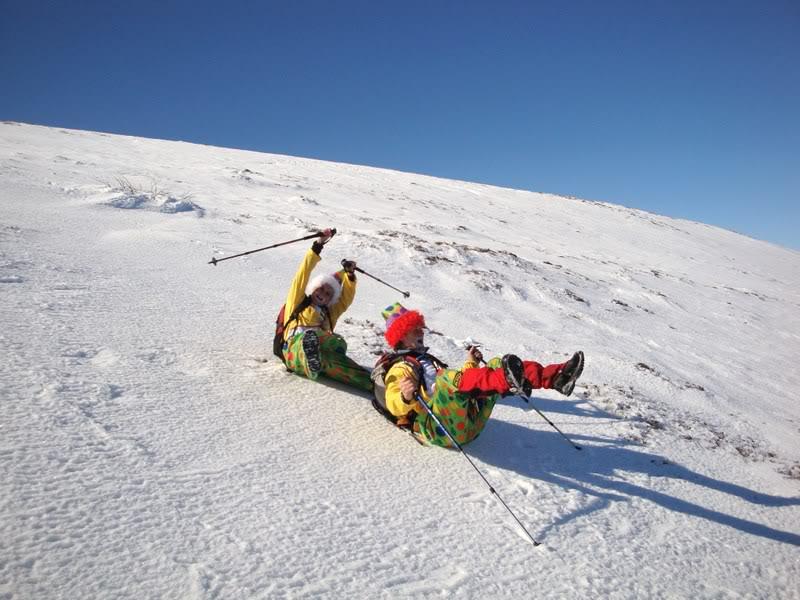 Haciendo el payaso subiendo al Pico Mencilla 1.932m. MENCILLA232