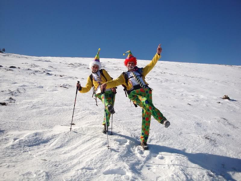 Haciendo el payaso subiendo al Pico Mencilla 1.932m. MENCILLA234