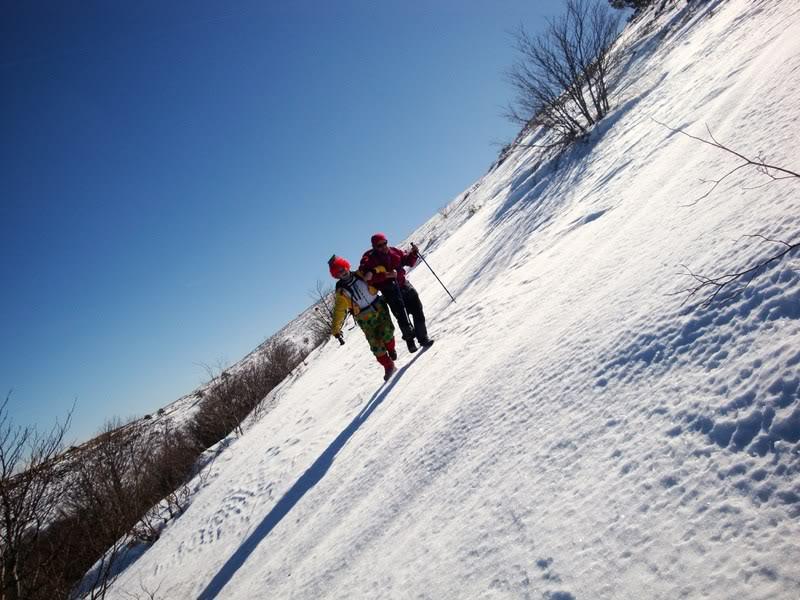 Haciendo el payaso subiendo al Pico Mencilla 1.932m. MENCILLA243