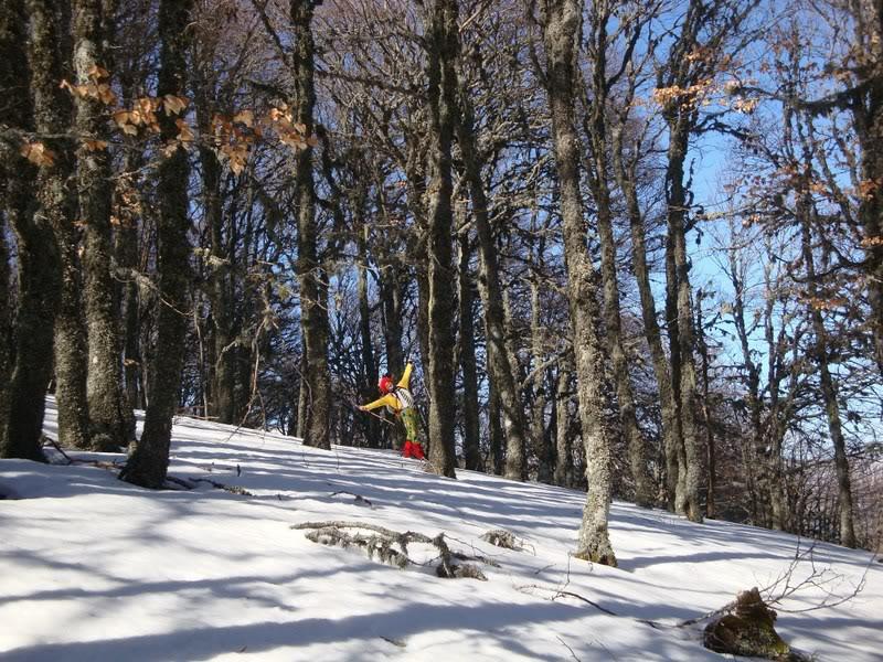 Haciendo el payaso subiendo al Pico Mencilla 1.932m. MENCILLA250