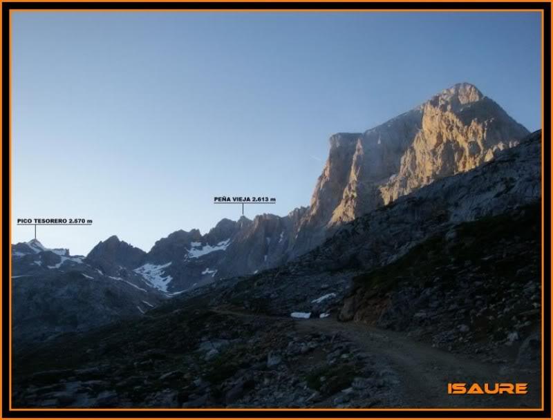 Peña Vieja 2.613m. Pico Tesorero 2.570m. Desde Fuente Dé PEAVIEJA039-1
