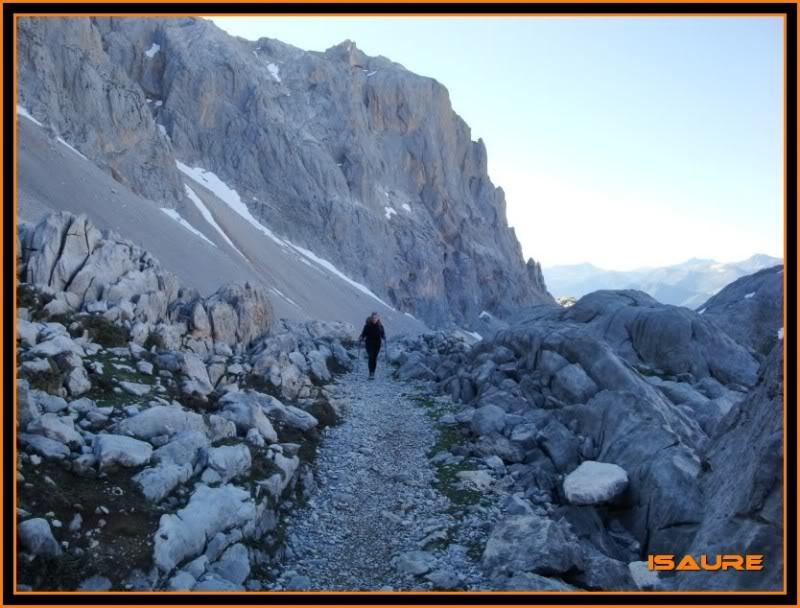 Peña Vieja 2.613m. Pico Tesorero 2.570m. Desde Fuente Dé PEAVIEJA111