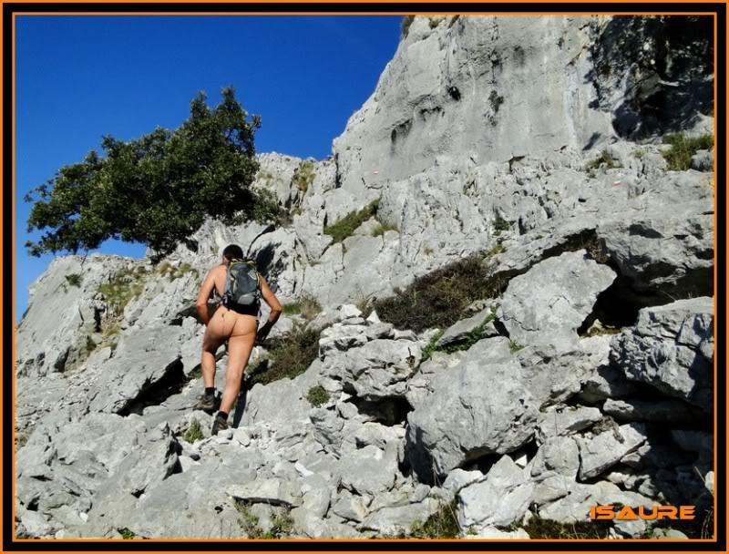 Ascensión nudista al monte Candina 498m. 108