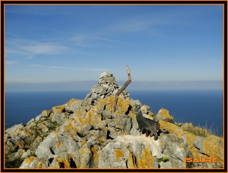 Ascensión nudista al monte Candina 498m. 123