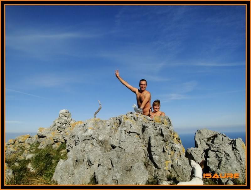 Ascensión nudista al monte Candina 498m. 124
