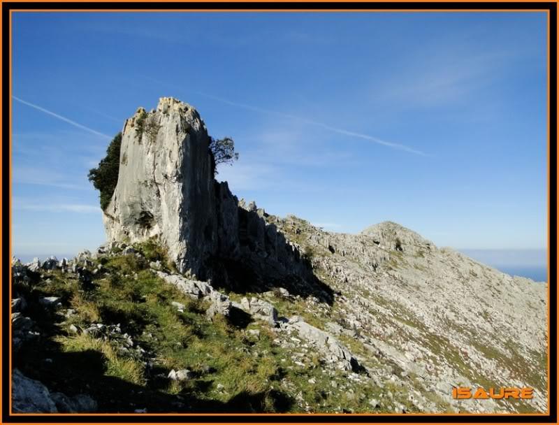Ascensión nudista al monte Candina 498m. 140