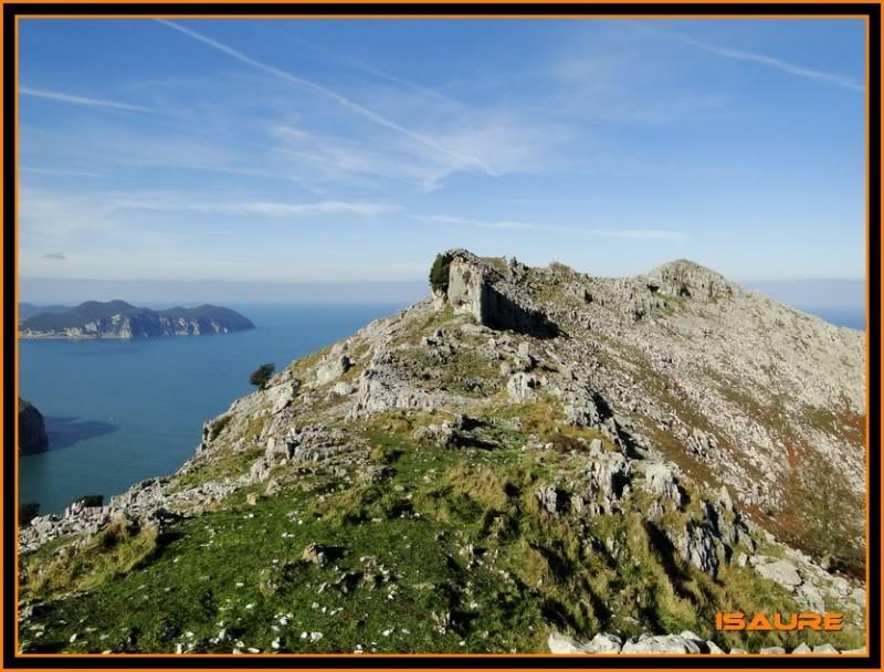 Ascensión nudista al monte Candina 498m. 146