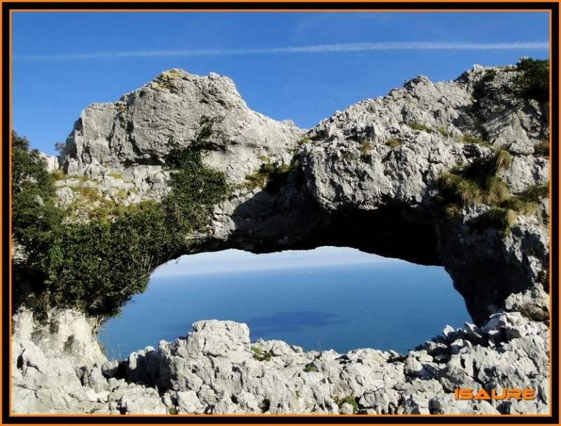Ascensión nudista al monte Candina 498m. 163