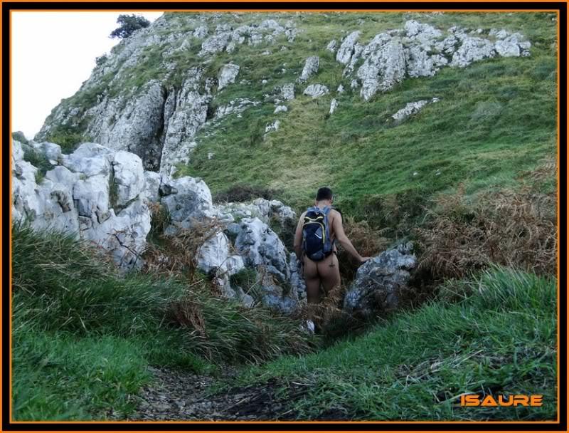 Ascensión nudista al monte Candina 498m. 179