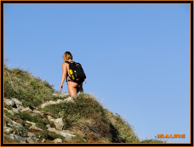 Ascensión nudista al monte Candina 498m. 18