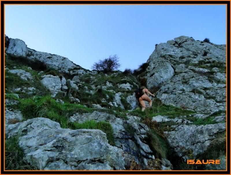Ascensión nudista al monte Candina 498m. 32
