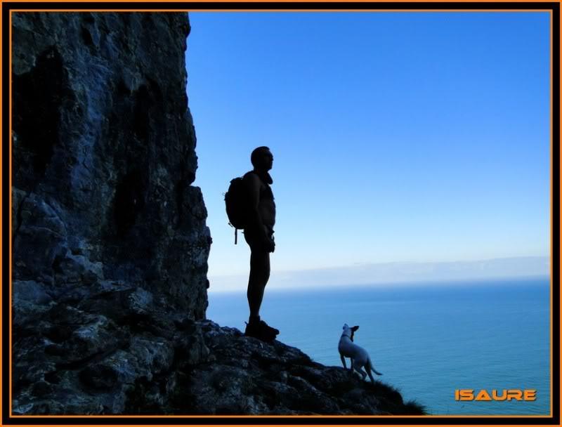 Ascensión nudista al monte Candina 498m. 40