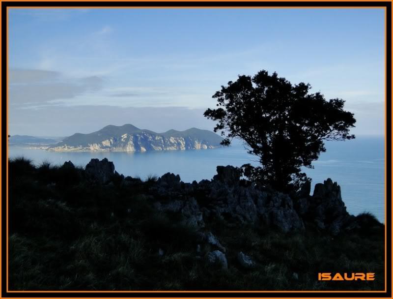 Ascensión nudista al monte Candina 498m. 56