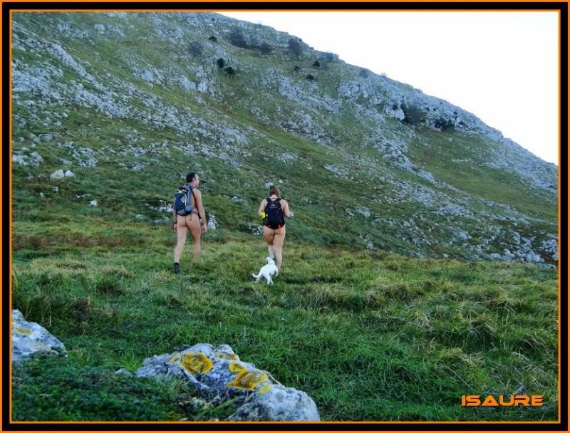 Ascensión nudista al monte Candina 498m. 7