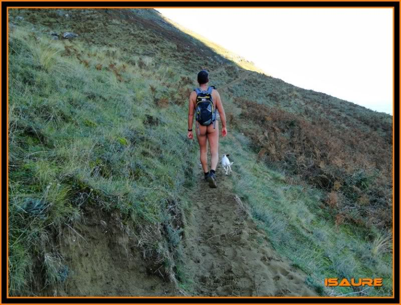 Ascensión nudista al monte Candina 498m. 8
