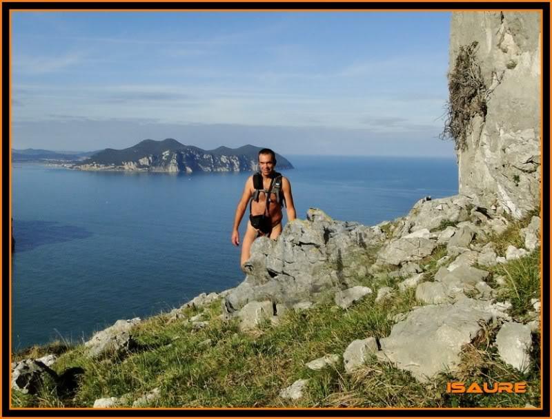 Ascensión nudista al monte Candina 498m. 88