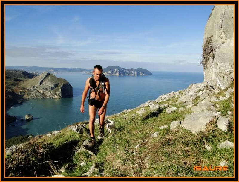 Ascensión nudista al monte Candina 498m. 90