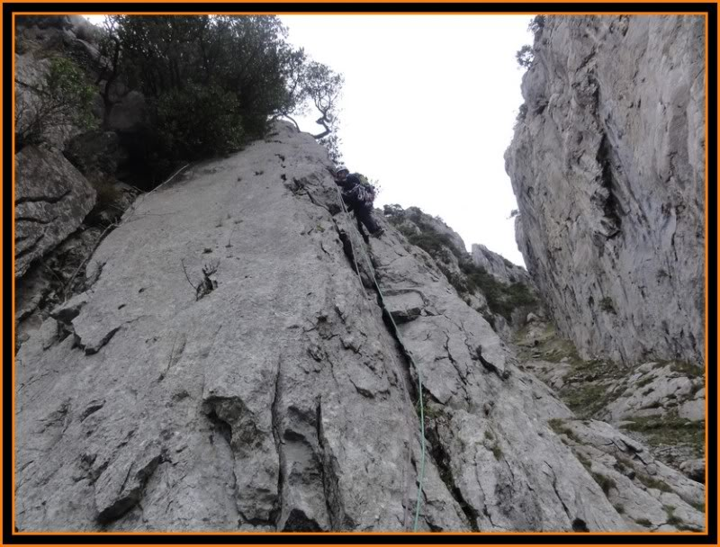 Vía Normal de Urrestei 200m. IV. (Atxarte) DSC06372