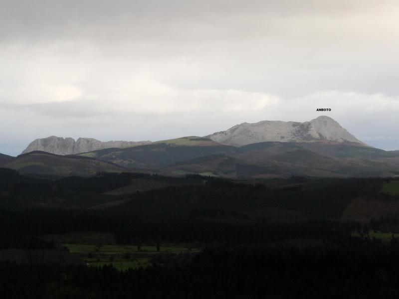 Ascensión al Gorbea 1.481m. y Aldamin 1.375m. desde Saldropo GORBEACONKEDUCC014