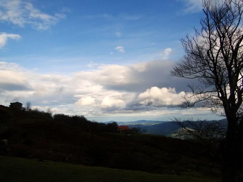 Ascensión al Gorbea 1.481m. y Aldamin 1.375m. desde Saldropo GORBEACONKEDUCC054