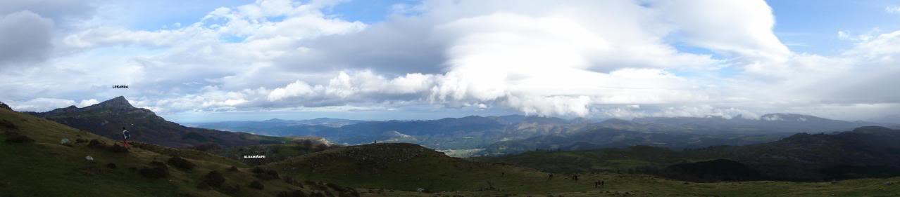 Ascensión al Gorbea 1.481m. y Aldamin 1.375m. desde Saldropo GORBEACONKEDUCC064-1