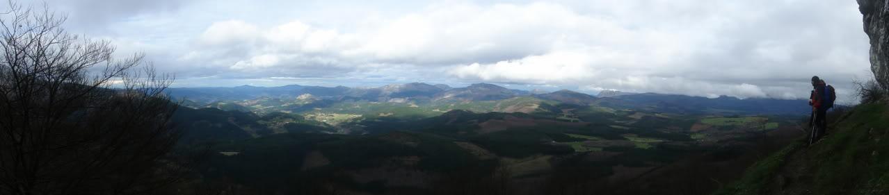 Ascensión al Gorbea 1.481m. y Aldamin 1.375m. desde Saldropo GORBEACONKEDUCC160-1