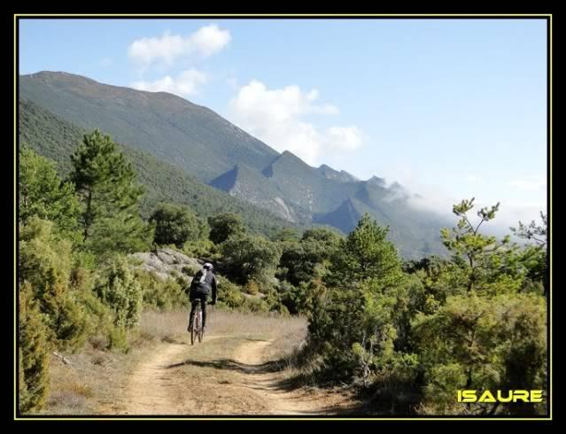 Vallegrull 1.226m (Parque Natural de Valderejo) DSC09175