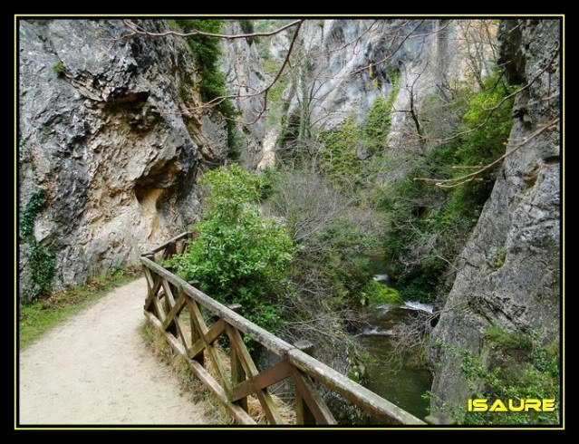 Vallegrull 1.226m (Parque Natural de Valderejo) DSC09204