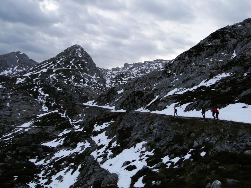 Pico Valdominguero 2.265m. desde Jito de Escarandi DSC07376