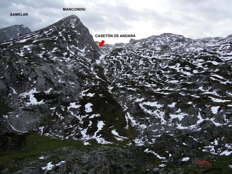Pico Valdominguero 2.265m. desde Jito de Escarandi DSC07378