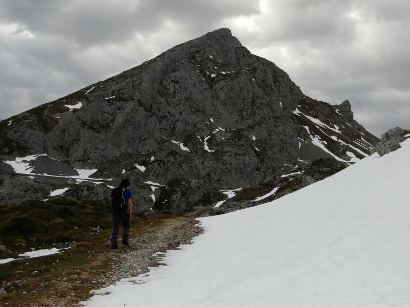Pico Valdominguero 2.265m. desde Jito de Escarandi DSC07382